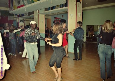 Salsa in Hamburg: La Macumba / Latin Dance Academy - (anklicken zum Vergr��ern - click to enlarge)
